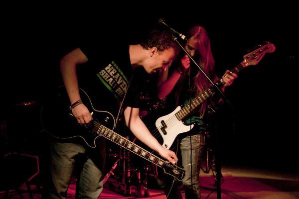 abgang-gitarren-duett6DB81B79-67EA-BC22-DA8D-E77F79373924.jpg